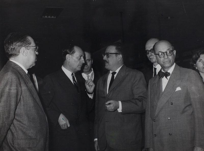 Abertura da 3ª Bienal. Com Sergio Buarque de Holanda, Andre Malraux, Lourival Gomes Machado e Francisco Matarazzo Sobrinho
