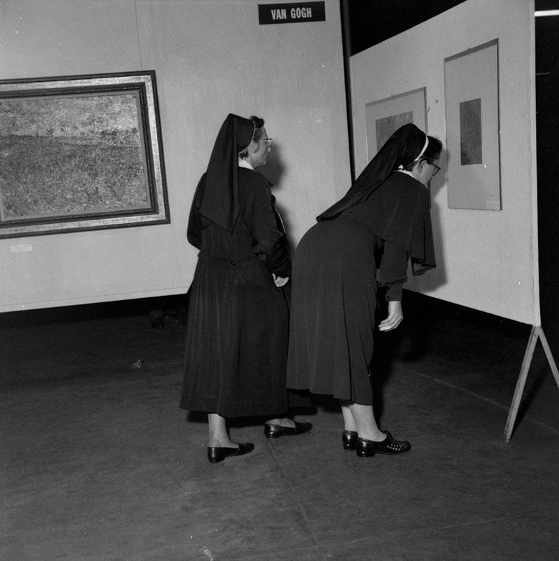 Freiras visitam Sala Especial dedicada a Vincent van Gogh