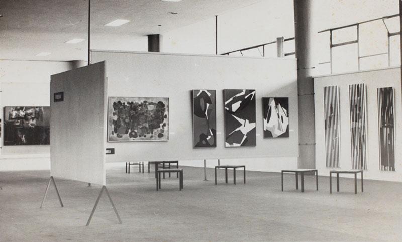 Vista parcial da Sala da Venezuela, com obras de Alejandro Otero