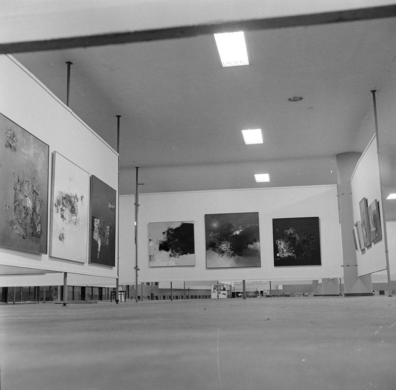 Montagem da Sala Especial dedicada ao artista brasileiro Danilo di Prete