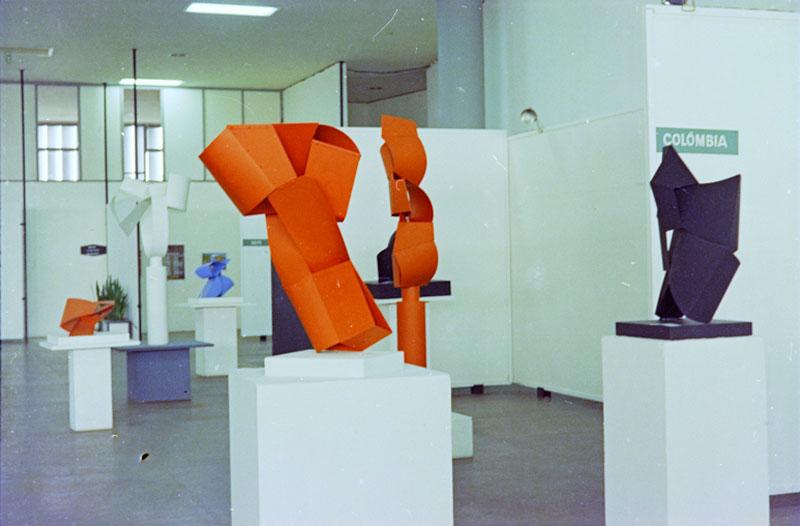 Sala Especial dedicada ao escultor colombiano Edgar Negret