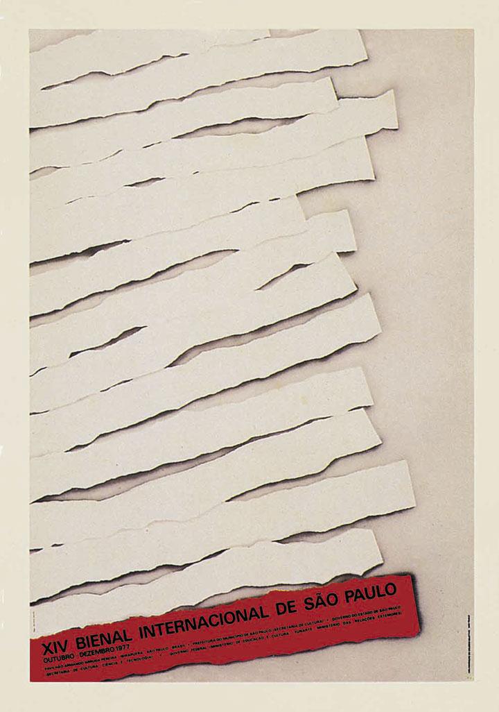 Aqui já não há tanto espaço para ambigüidades: a referência à censura é clara, representada pelas 13 tiras de papel em branco rasgadas - metáforas tanto das 13 edições anteriores da Bienal, como também das muitas mensagens caladas pelo governo militar. Dessa forma, a Bienal anunciada pelo cartaz, representada pela 14ª tira de papel, afirma-se como o único espaço possível de expressão. Bienal 50 Anos, 1951-2001, 2001, p.298