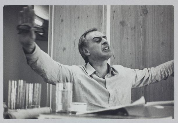 d04c080db Dossiê Walter Zanini - Bienal