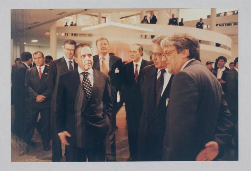 Abertura da 23ª Bienal com as presenças do presidente da Bienal Edemar Cid Ferreira, o presidente da república Fernando Henrique Cardoso e o curador Nelson Aguilar