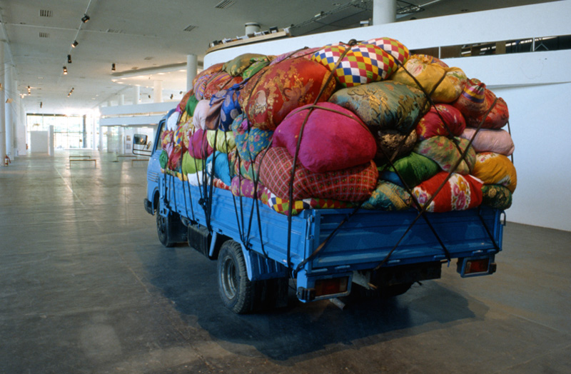 Soo-Ja Kim, Cities on the move–2727 kilometers Bottari truck [Cidades em mudança–caminhão Bottari 2727 quilômetros], representação nacional da Coréia