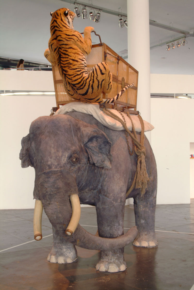Huang Yong Ping, Le 11 juin 2002, cauchemar de Geoges V [Em 11 de junho de 2002, o pesadelo de Georges V]