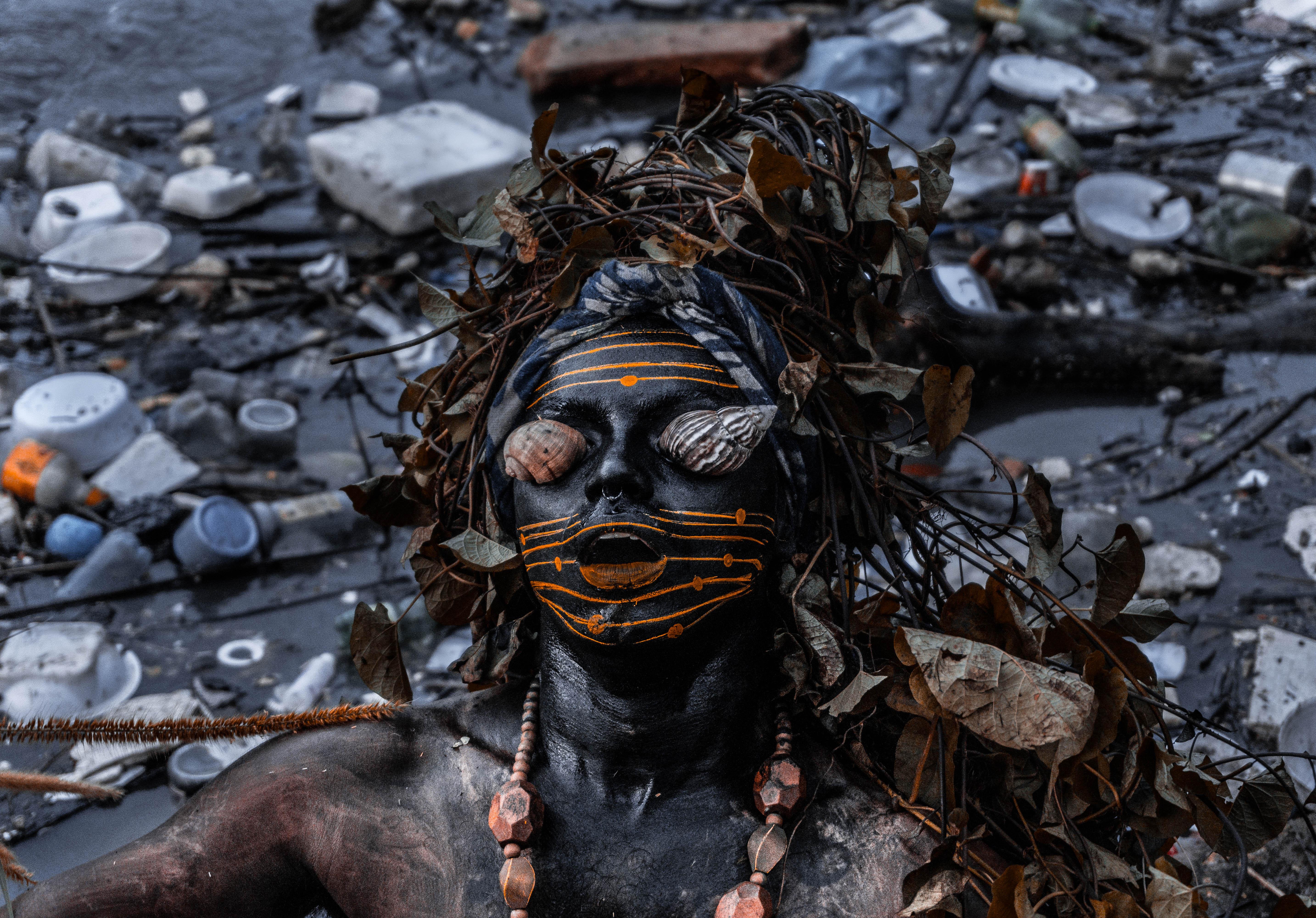 Uýra, <i>Mil Quase Mortos</i>(Boiuna). Foto: Matheus Belém. Cortesia do artista