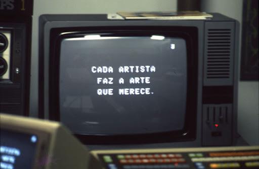 Vista do filme Vento [Wind] de Joan Jonas (1968). Foto de Levi Fanan / Fundação Bienal de São Paulo