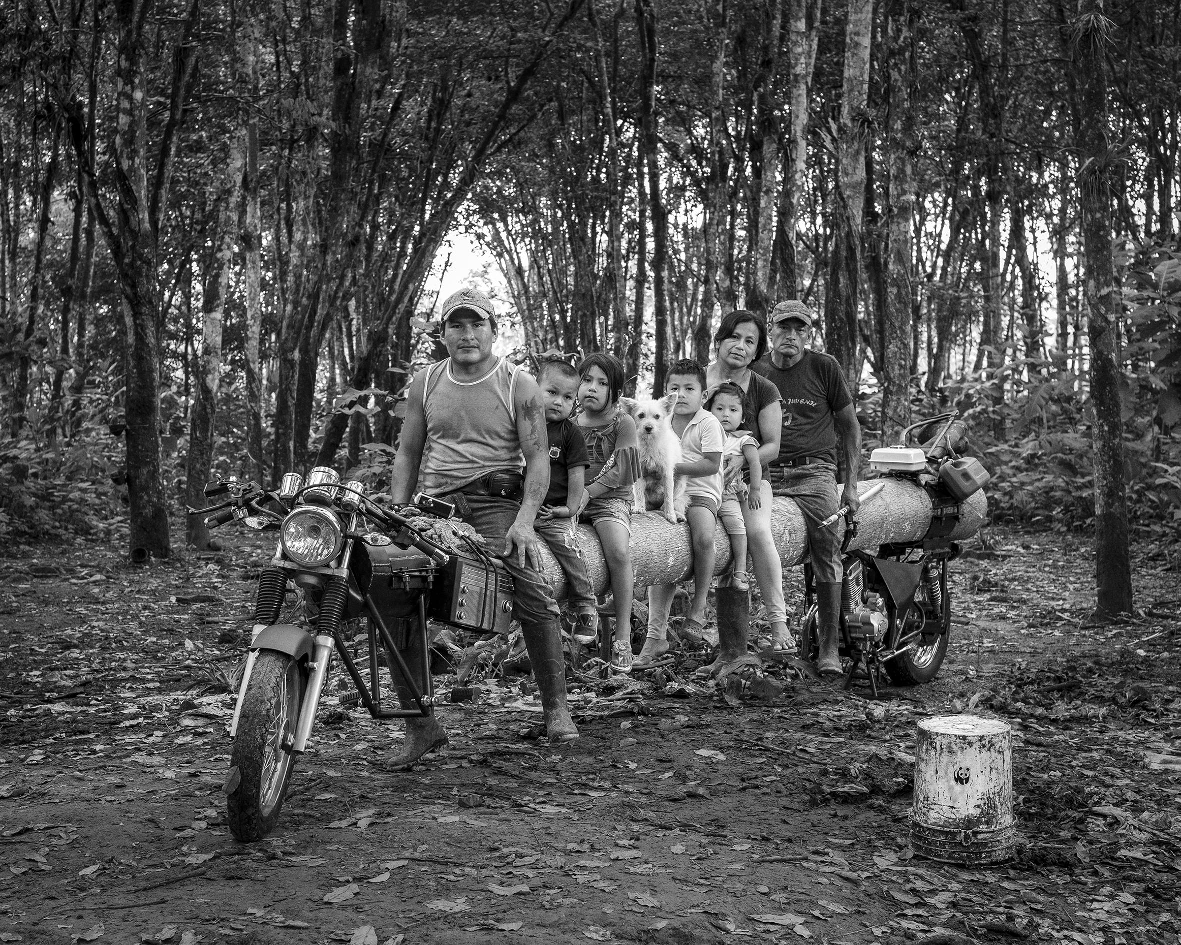 Adrián Balseca, <i>Proyecto para retrato familiar (Cuji-Grefa)</i>, Santo Domingo de los Tsáchilas, 2019. Courtesy of the artist