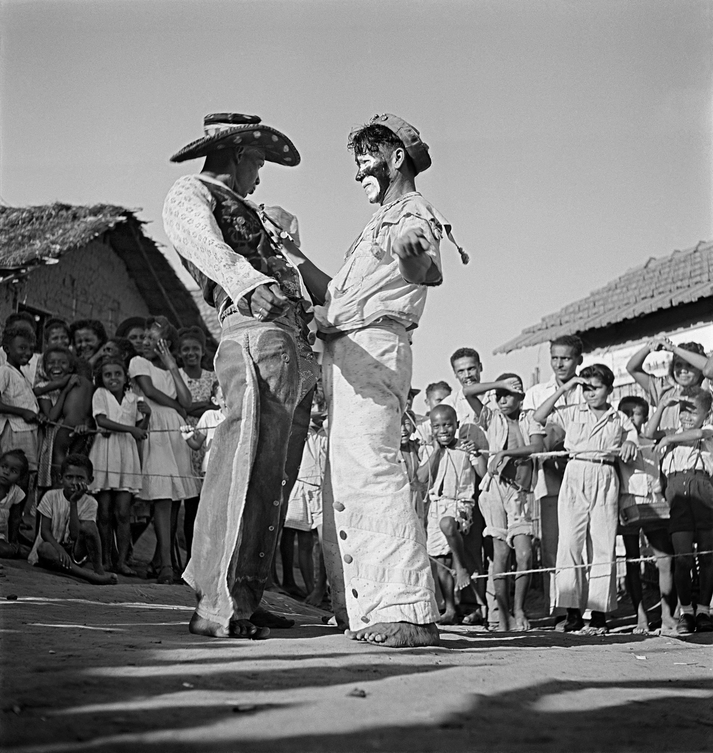 Pierre Verger, <i>Bumba Meu Boi</i>, Recife, Brasil (1947). Cortesia de Fundação Pierre Verger